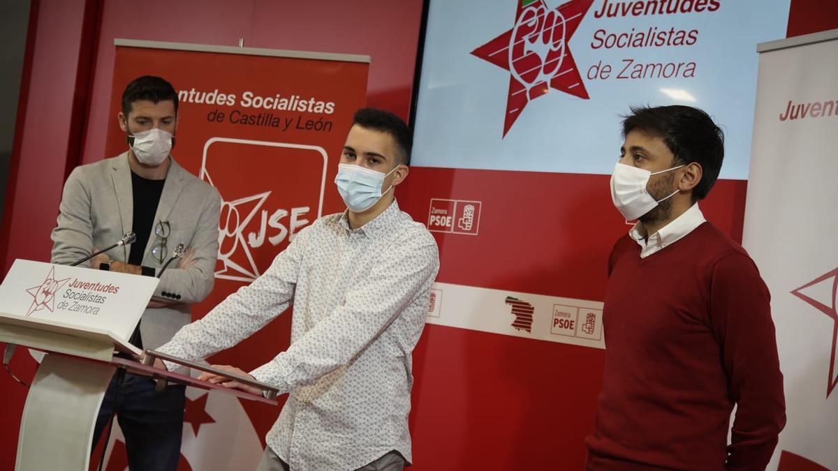 Omar Anguita, Álvaro Furones y Fran Díaz.