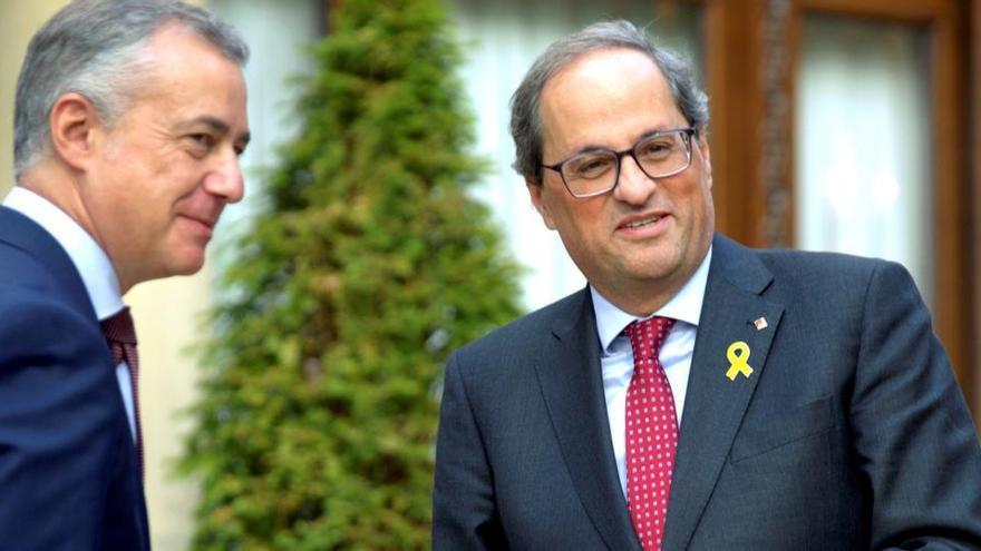 Sánchez pide a Torra y Urkullu que acudan a la Conferencia de Presidentes