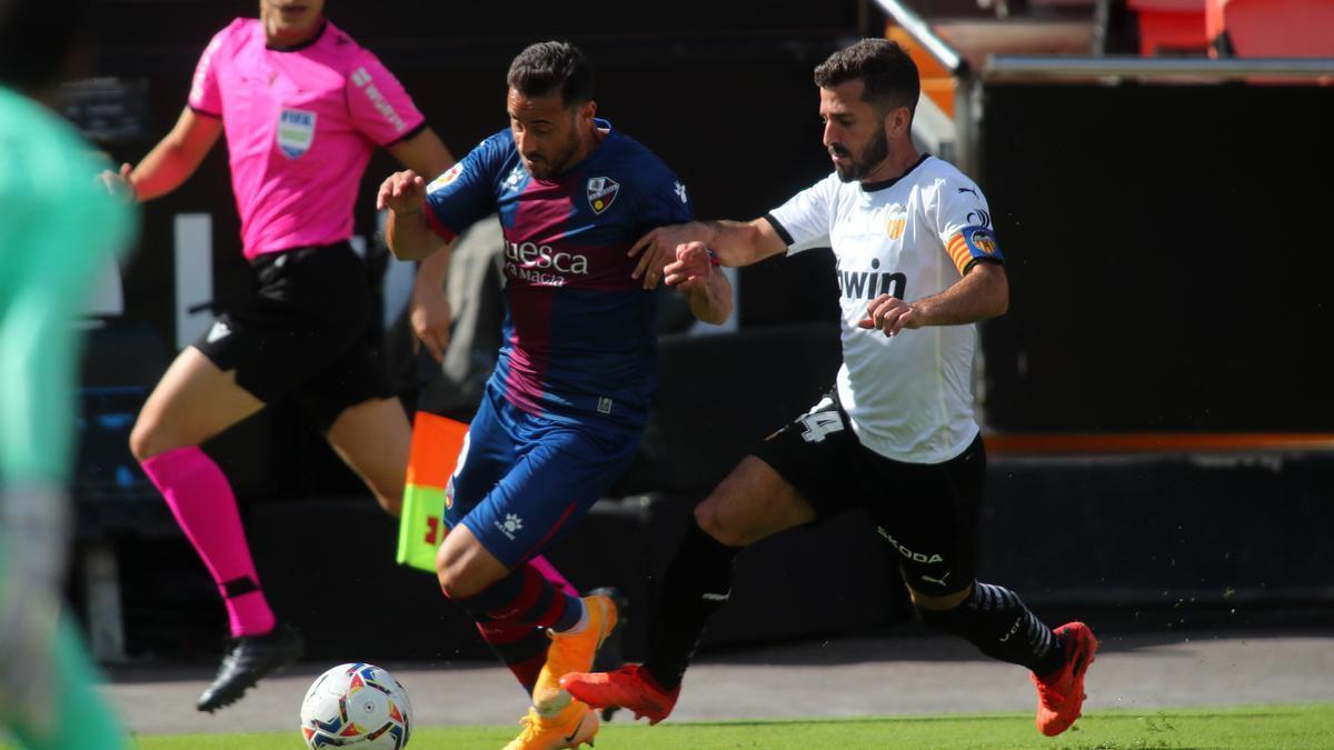 En la imagen, un momento del partido Valencia CF-Huesca.