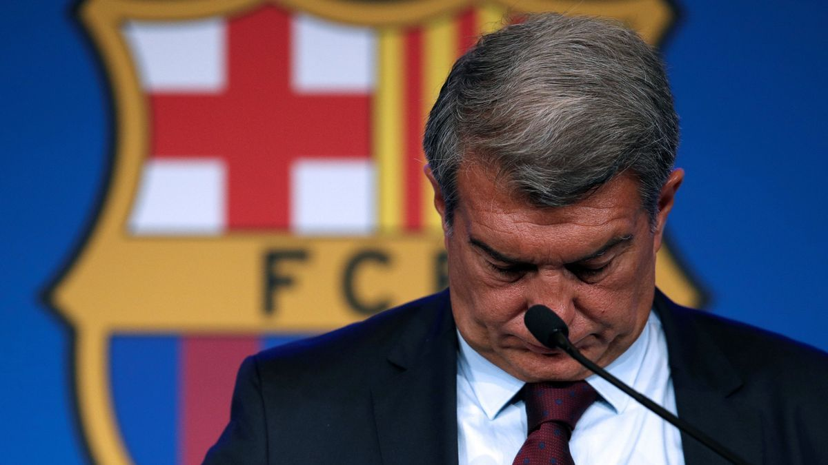 Laporta admits that Messi's renewal would have put the club at risk