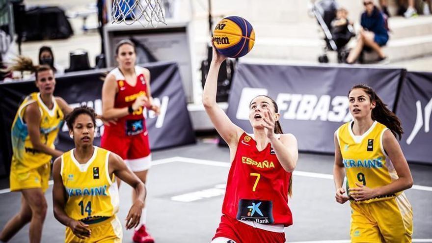 Claudia Contell brilla en el Mundial 3x3 de Hungría