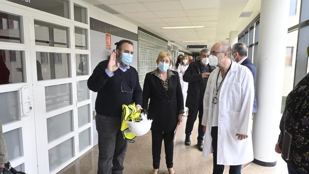 Ana Barceló, durante la visita al hospital la Plana de Vila-real