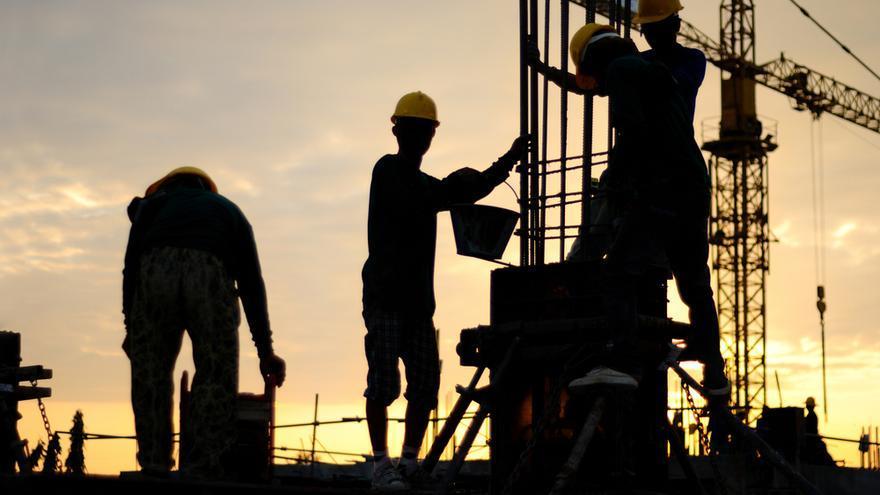 El 40% de las constructoras han parado obras por el precio de los materiales