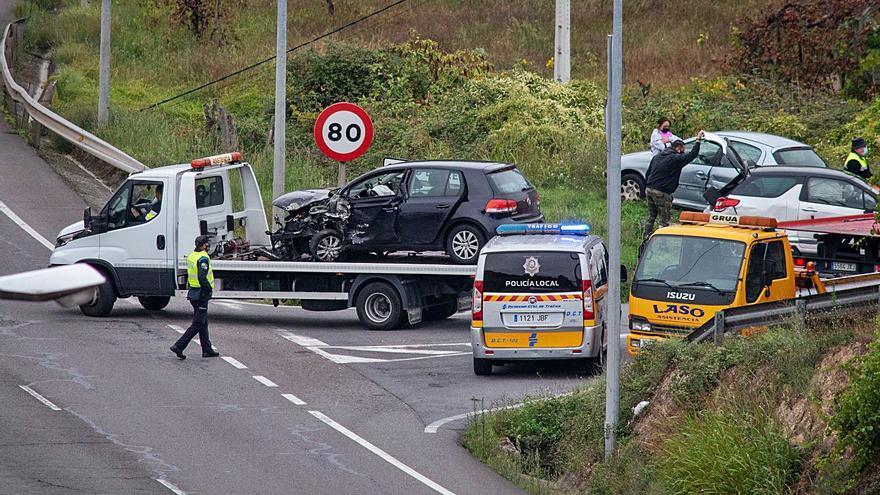 Cuatro heridos en un accidente múltiple al amanecer con cuatro vehículos implicados