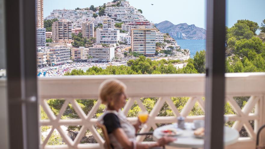 ¿Y si la felicidad estuviese en una residencia de mayores en Alicante?