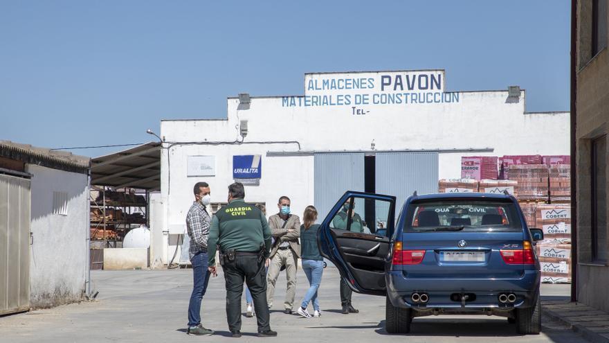 Muere un trabajador al caerle la caja de un camión encima en Babilafuente (Salamanca)
