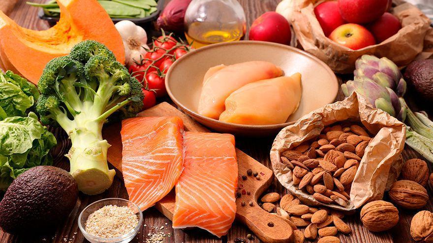 Así tiene que ser tu cena para conseguir perder peso sin esfuerzo, según los nutricionistas