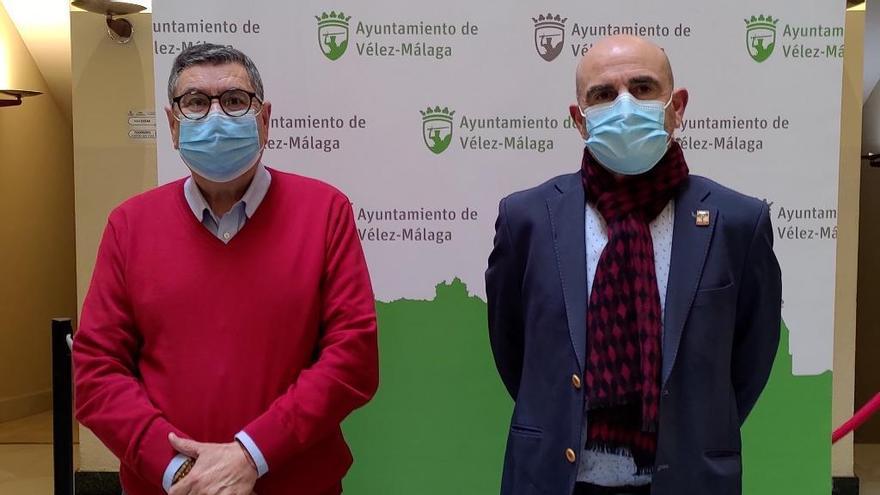 Vélez-Málaga recuerda a las víctimas de la masacre de la carretera de Almería
