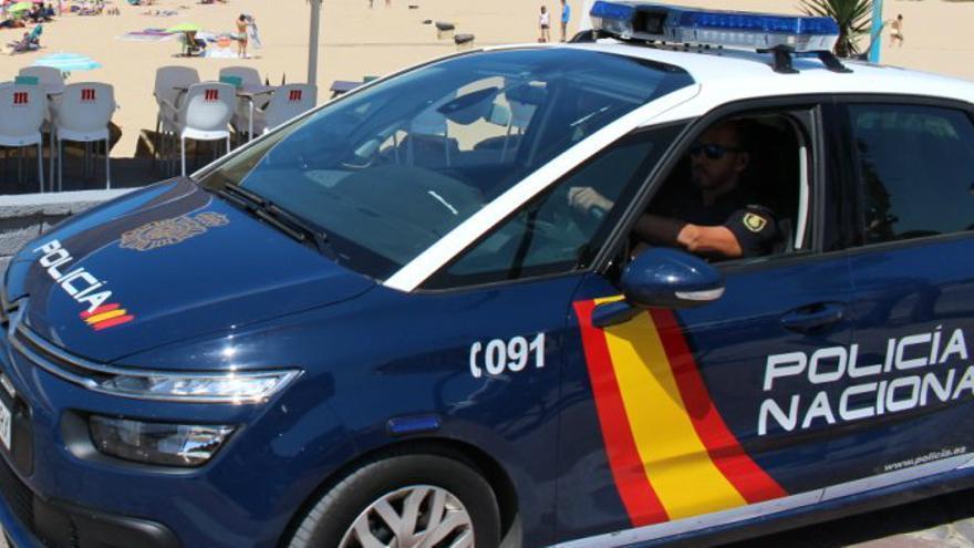 Denuncien que la Policia Nacional a Girona no atén en català a l'oficina d'expedició dels DNI