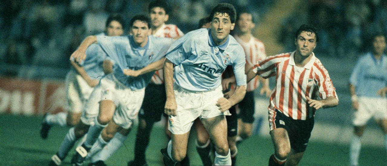 Patxi Salinas jugando con la camiseta del Celta en un partido contra el Athletic de Bilbao de 1994