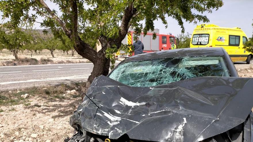 Atienden a dos heridos tras colisionar sus coches entre Jumilla y Pinoso