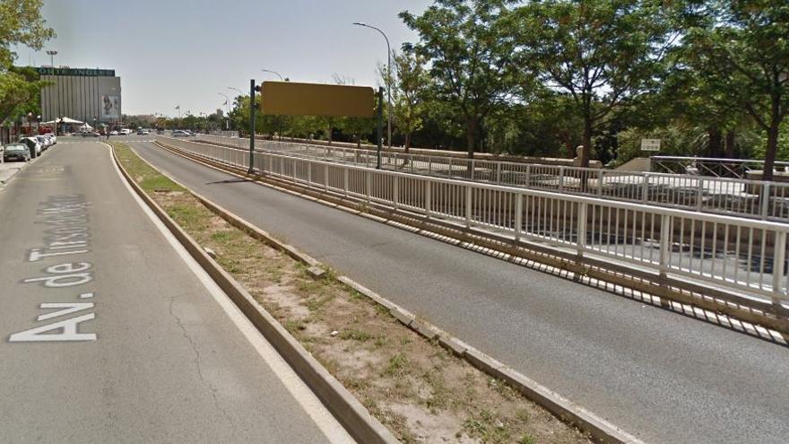 Un policía local fuera de servicio frustra un robo con violencia a una mujer en Campanar