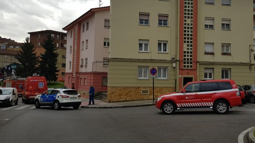 Alarma por una fuga de gas en un bloque de viviendas de Pumarín