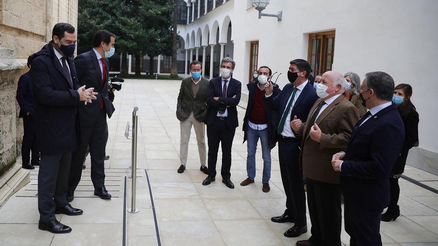 El Gobierno andaluz de PP y Cs saca adelante sus terceros Presupuestos con el apoyo de Vox