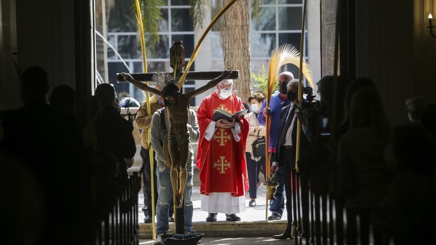 Semana Santa: júbilo y frustración en un Domingo de Ramos marcado por la covid-19