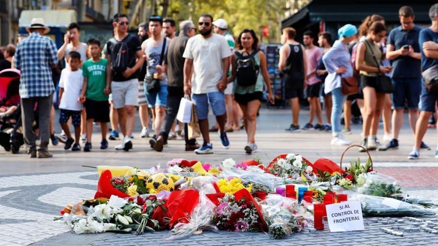 El homenaje trata de espantar las protestas políticas