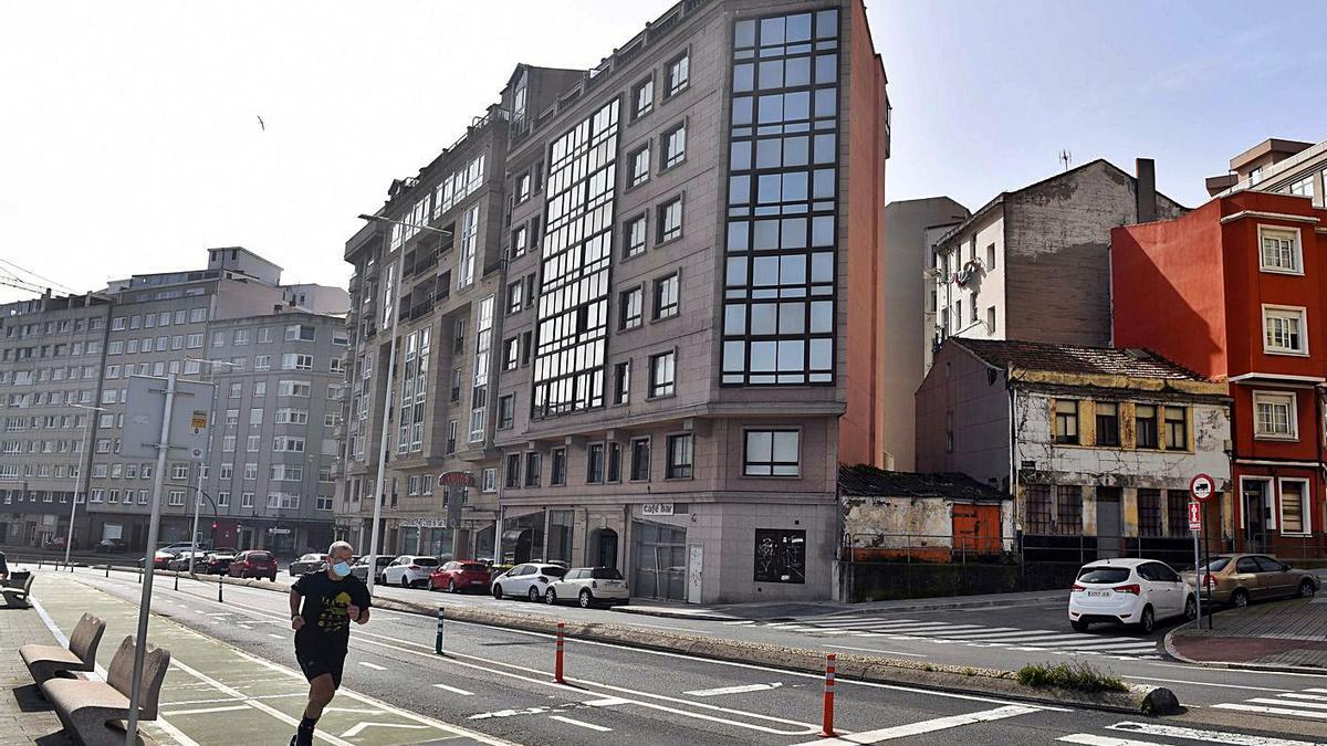 Edificio ilegal en el número 13 de la calle San Roque de Afuera.     // VÍCTOR ECHAVE