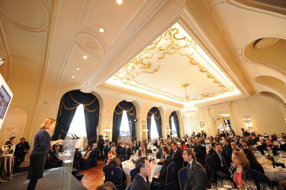 Entrega del premio Coche del Año al Opel Astra