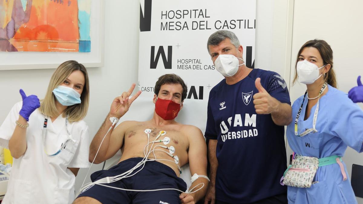 Tomás Bellas, del UCAM Murcia CB, durante los exámenes médicos.