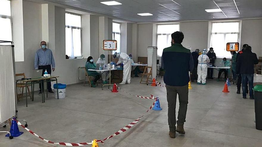 El segundo día de cribado en San Cristóbal detecta un caso de coronavirus