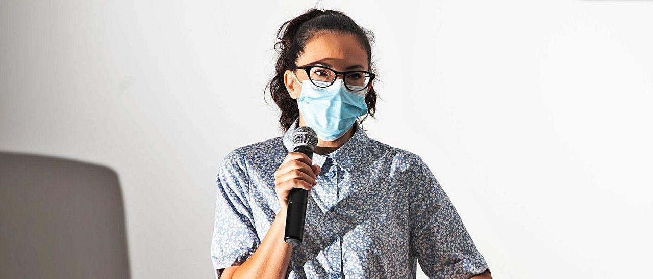 Alicia Martín en la charla de la II Jornada Local de Prevención de los Delitos de Odio. | ZOWY VOETEN DAVID TIRADO