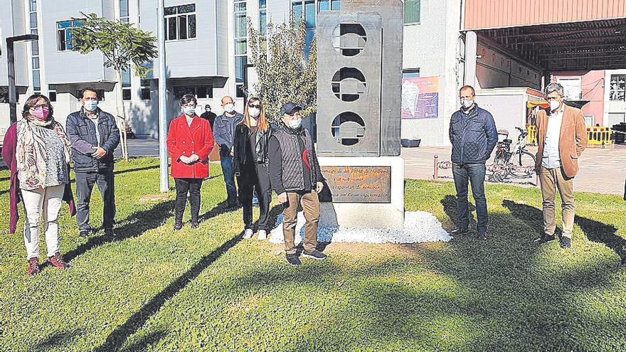 La Pobla homenajea la solidaridad vecinal de la pandemia con una escultura