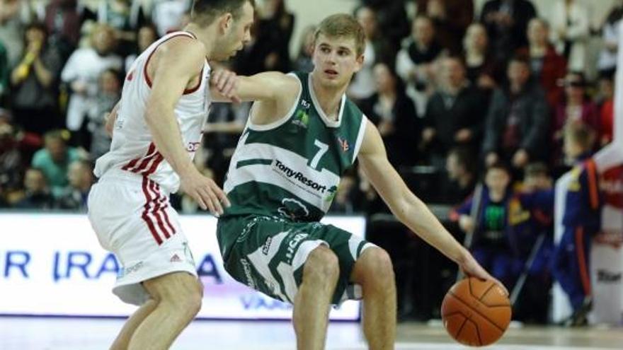 Tadas Rinkunas, un anotador lituano para el Oviedo Baloncesto