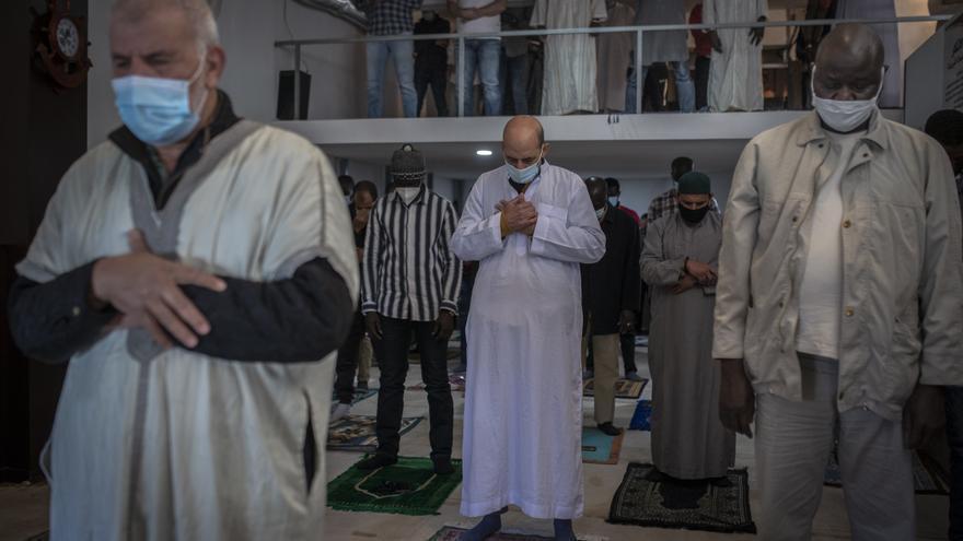 """Fe y medidas contra el COVID en la mezquita en Ramadán: """"El islam es paz y Ourense, acogedora"""""""