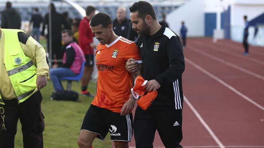 La participación de Vitolo el sábado no está descartada pese a la fractura en la nariz