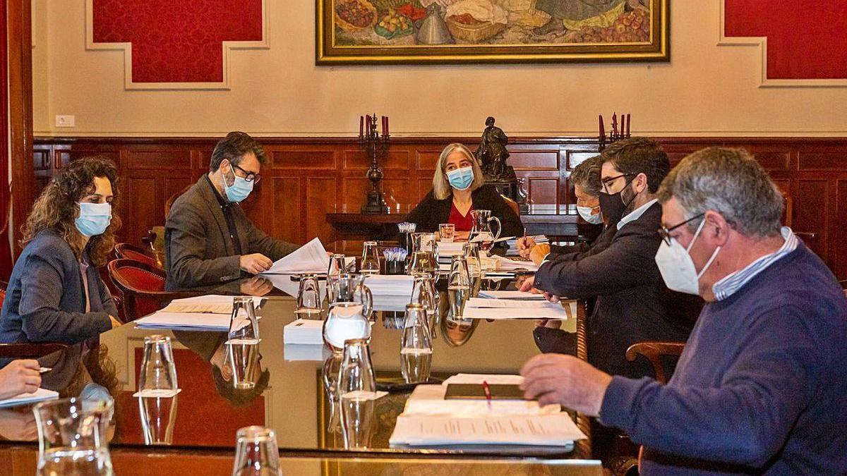 Reunión de ayer de los grupos en la Comisión Especial del Borde Litoral.