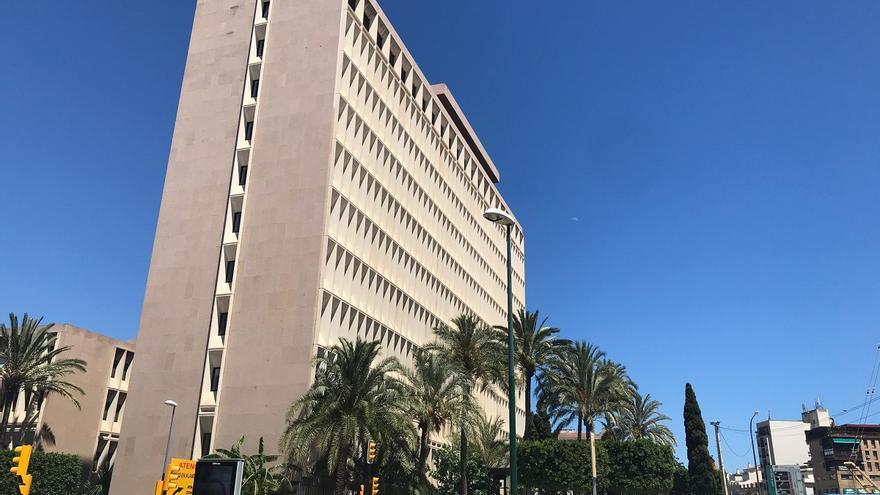 Hacienda licita la redacción del proyecto para reformar su edificio de Málaga