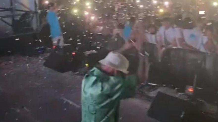 La Policía suspende un concierto multitudinario en la plaza de toros de Palma