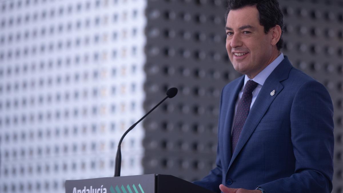 El presidente de la Junta de Andalucía, Juanma Moreno, este lunes durante su primera comparecencia pública tras superar el coronavirus