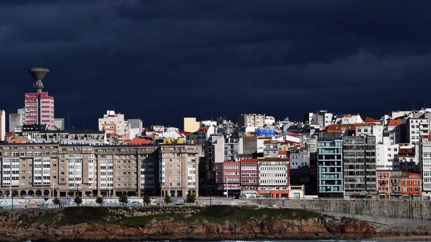 La borrasca explosiva 'Justine' azota Galicia con fuertes rachas de vientos y lluvias