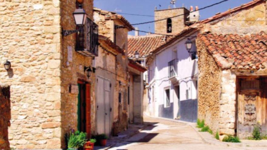 La Yesa: Villa en el límite con Aragón