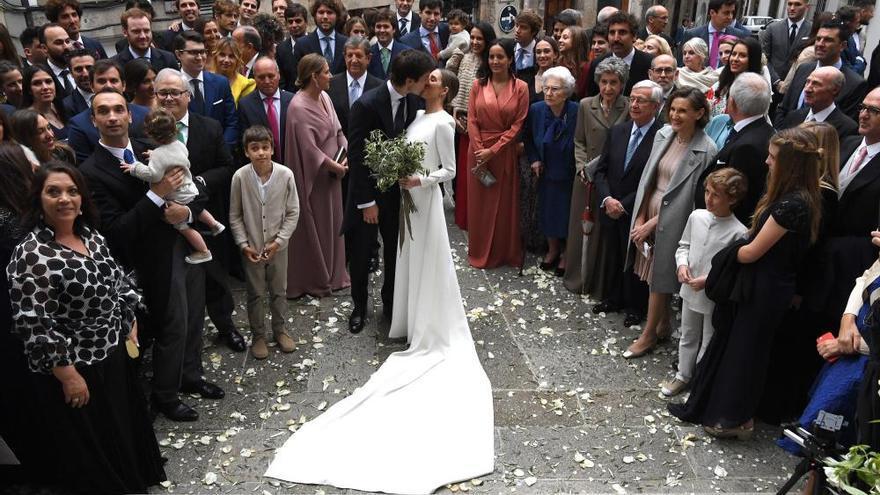 Pedro Mosquera se casa en la Ciudad Vieja arropado por compañeros de profesión