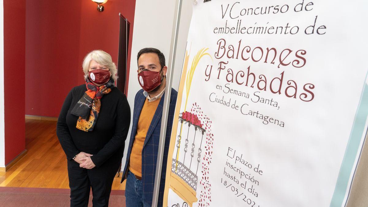 Cartagena anima a engalanar edificios para vivir una Semana Santa diferente