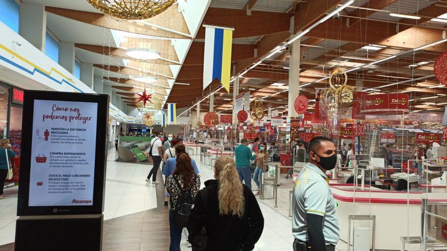 Colas de última hora en Gran Canaria para comprar la Lotería de Navidad 2020