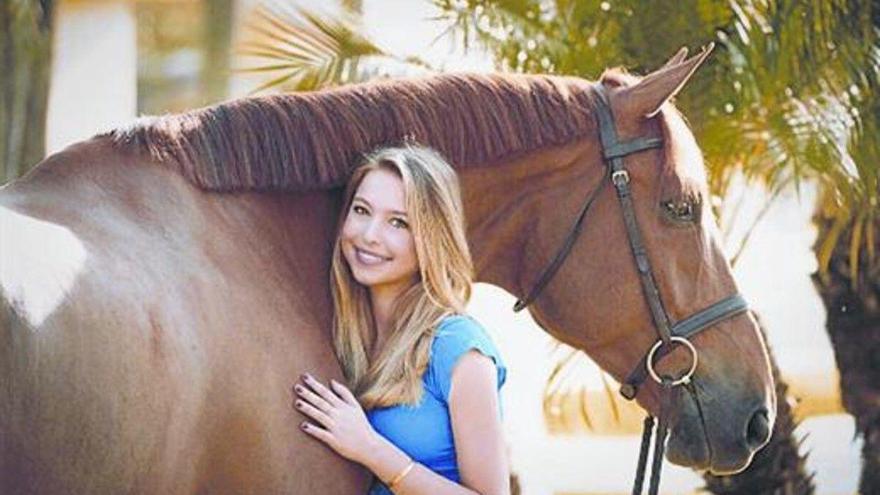 La hija menor de Steve Jobs debuta como modelo