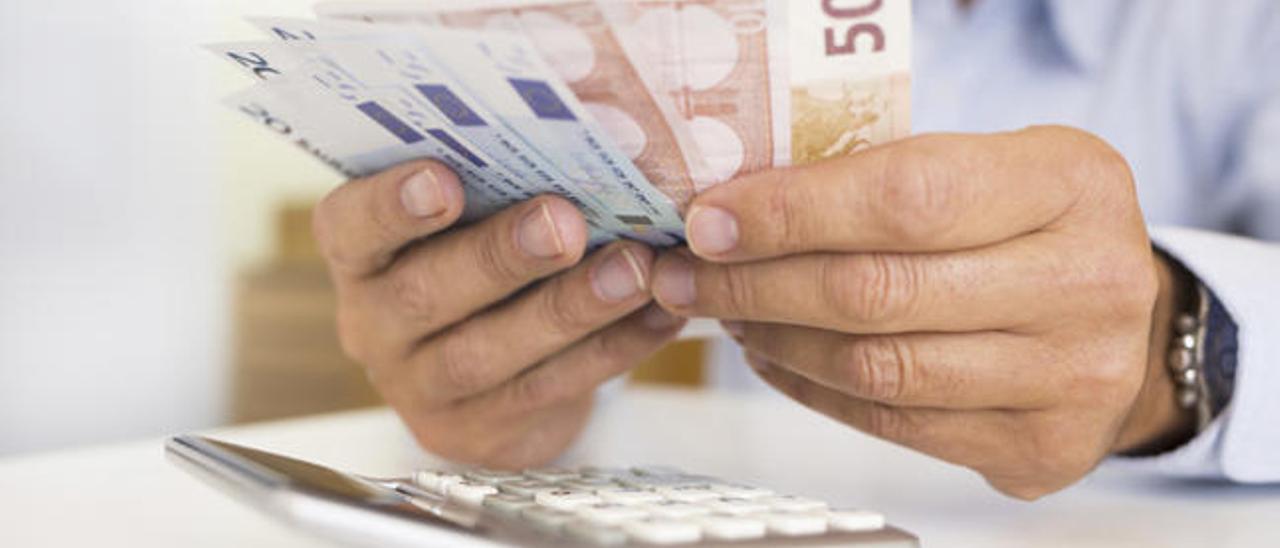 Los ingresos por el IRPF se disparan en las Islas más que en ninguna otra región