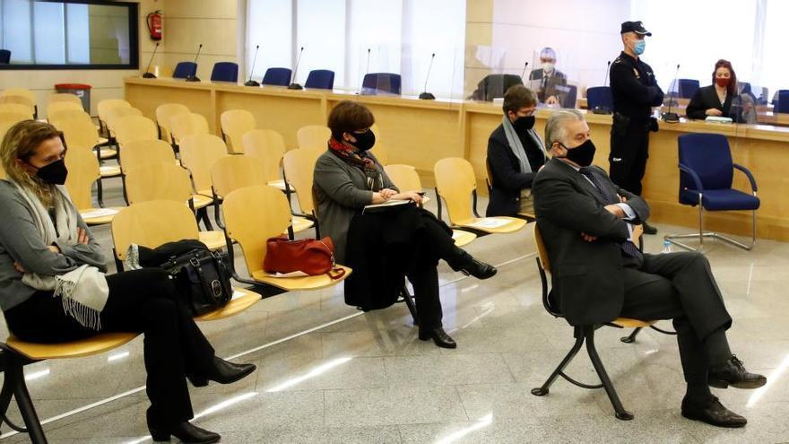 """El fiscal considera """"prematura"""" la propuesta de Bárcenas de un careo con Rajoy"""