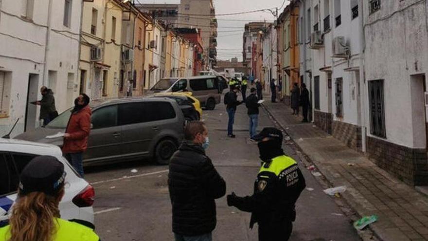 Figueres intenta frenar les barbacoes al carrer al sector oest