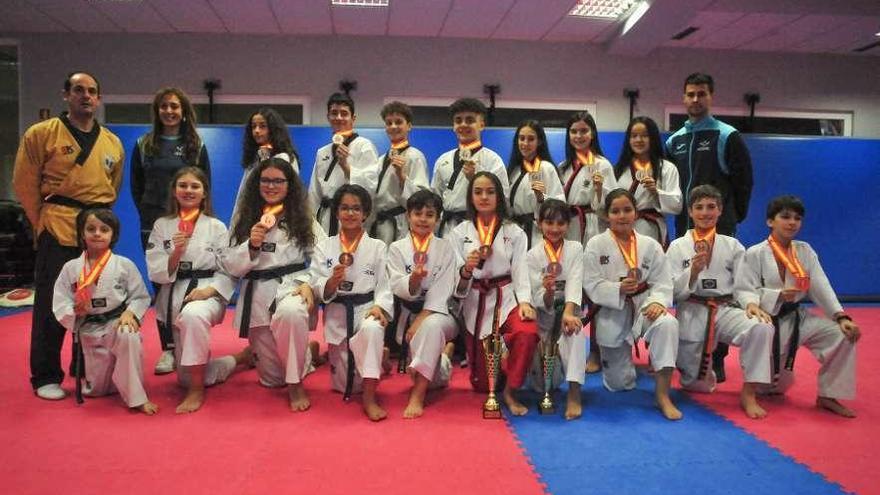 El Olimpic exhibe músculo en Pontevedra