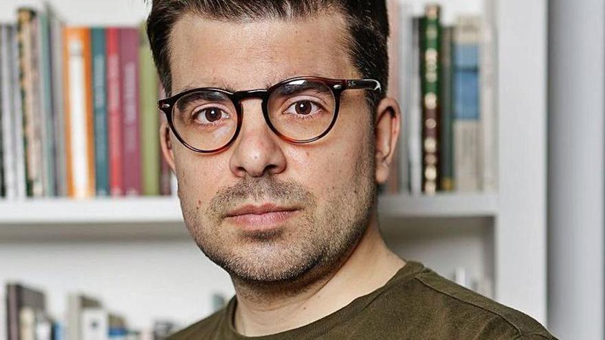 José Ignacio Carnero: «Me sirvo del humor para iluminar las zonas oscuras»