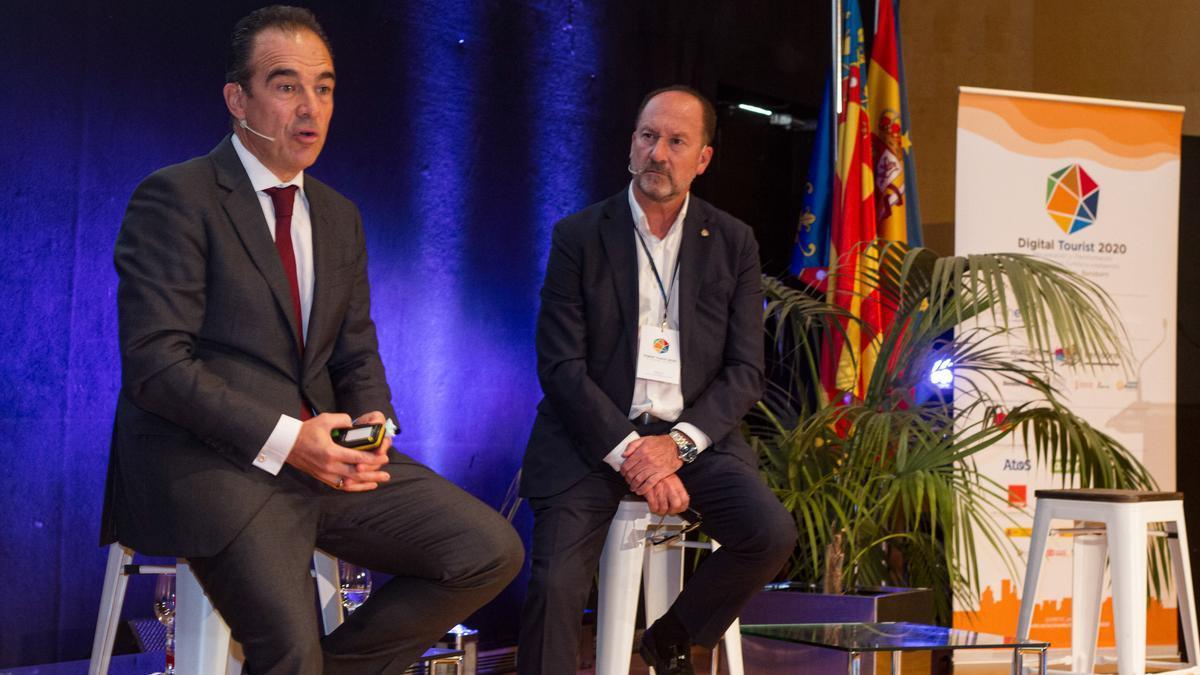 La mesa de debate de Peral y Bascuñana.