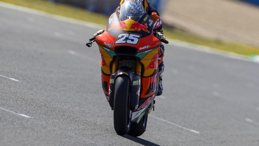 Raúl Fernández, intratable en Moto2