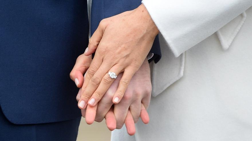 Demanda a su exmarido porque no le dijo que era homosexual cuando se casaron en València