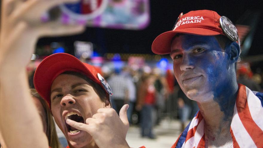Donald Trump y sus irreductibles seguidores