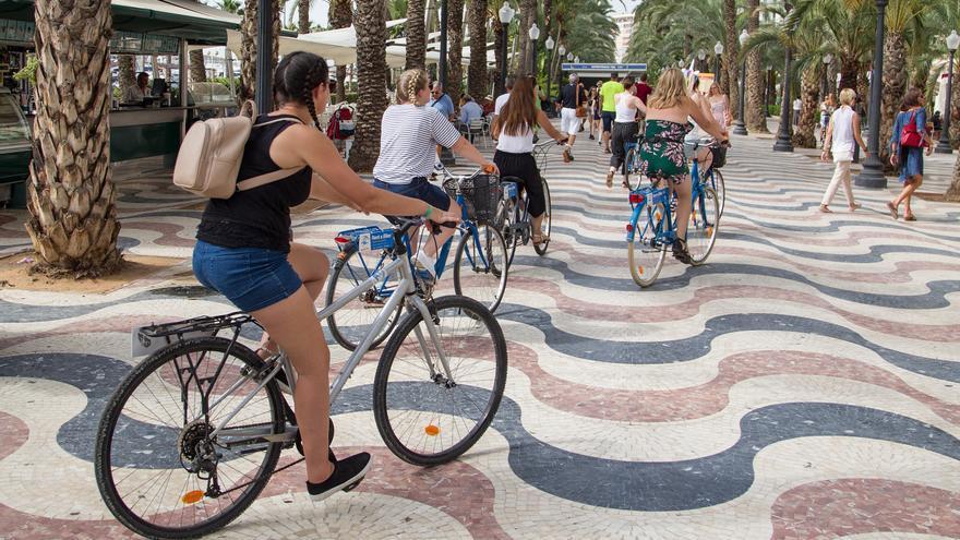"""Una """"Bicimanifestación"""" reclamará el sábado que se desbloquee la Vía Verde litoral de Alicante"""