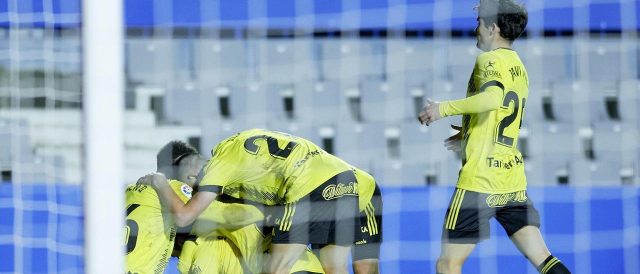 El Oviedo celebra un gol ante el Sabadell